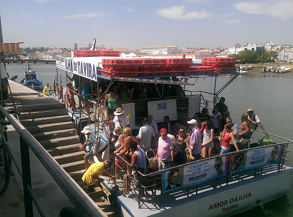 Ferry a Ilha Tavira